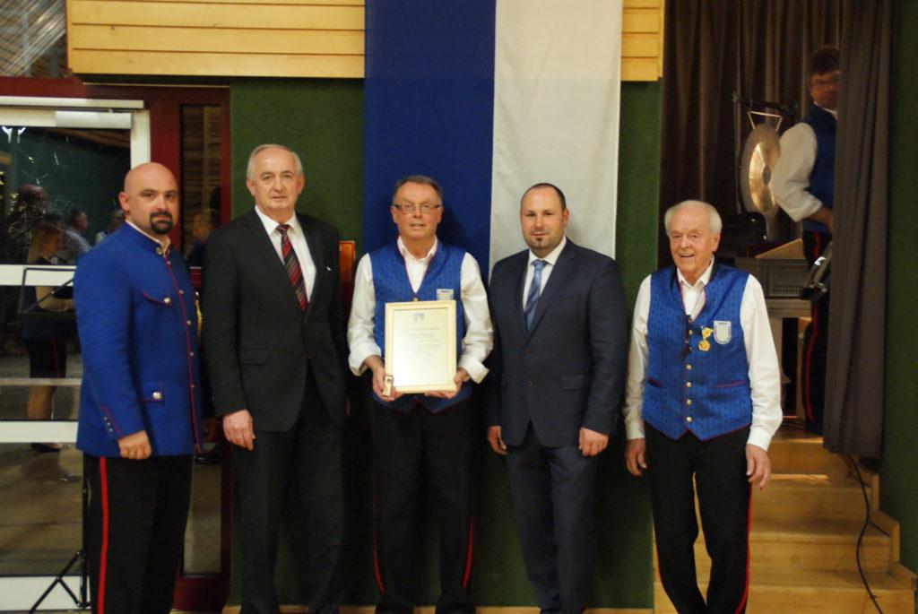 Ehrung für besondere Verdienste um die Gemeinde Bromberg